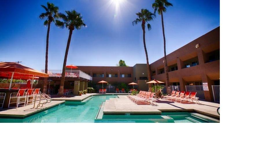 Ultimate List of Best Cheap Hostels for Backpackers in Scottsdale, Arizona, 3 Palms Hotel