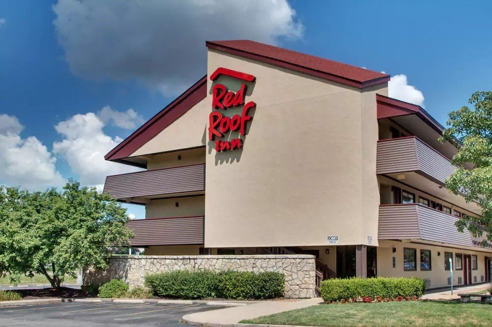 Ultimate List of Best Cheap Hostels for Backpackers in St. Louis City, Missouri, Red Roof Inn St.Louis- Westport