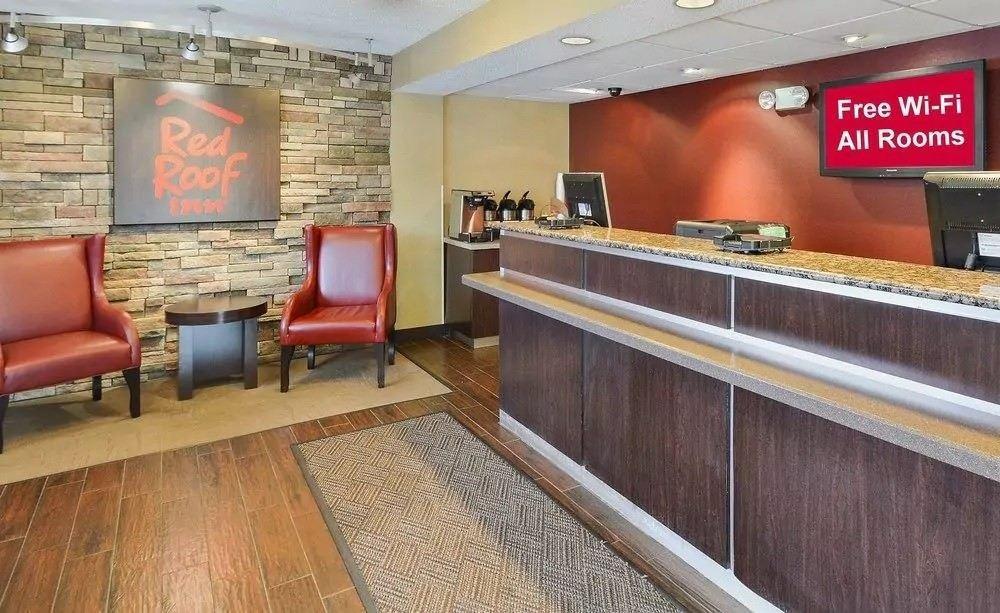 Ultimate List of Best Cheap Hostels for Backpackers in Toledo, Ohio, Red Roof Inn Toledo - University