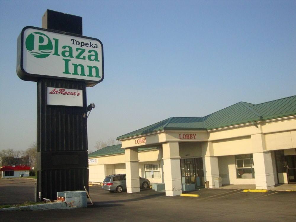 Ultimate List of Best Cheap Hostels for Backpackers in Topeka, Kansas, Plaza Inn