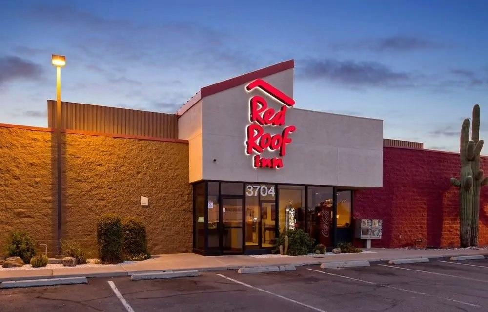 Ultimate List of Best Cheap Hostels for Backpackers in Tucson, Arizona, Red Roof Inn Tucson South
