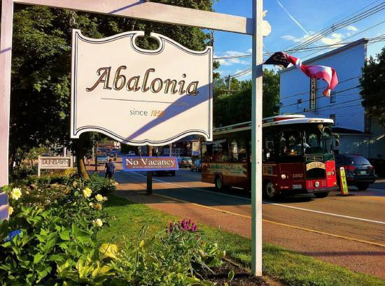 Ultimate List of Best Luxury Hotels in Ogunquit, Abalonia hotel