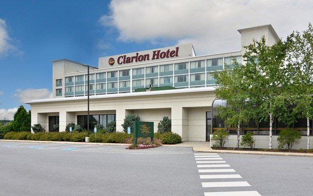 Ultimate List of Best Luxury Hotels in Portland, Maine, Clarion Hotel Airport Portland