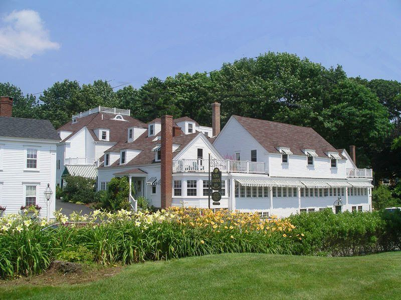List of the best luxury hotels in maine usa for Posh hotels near me