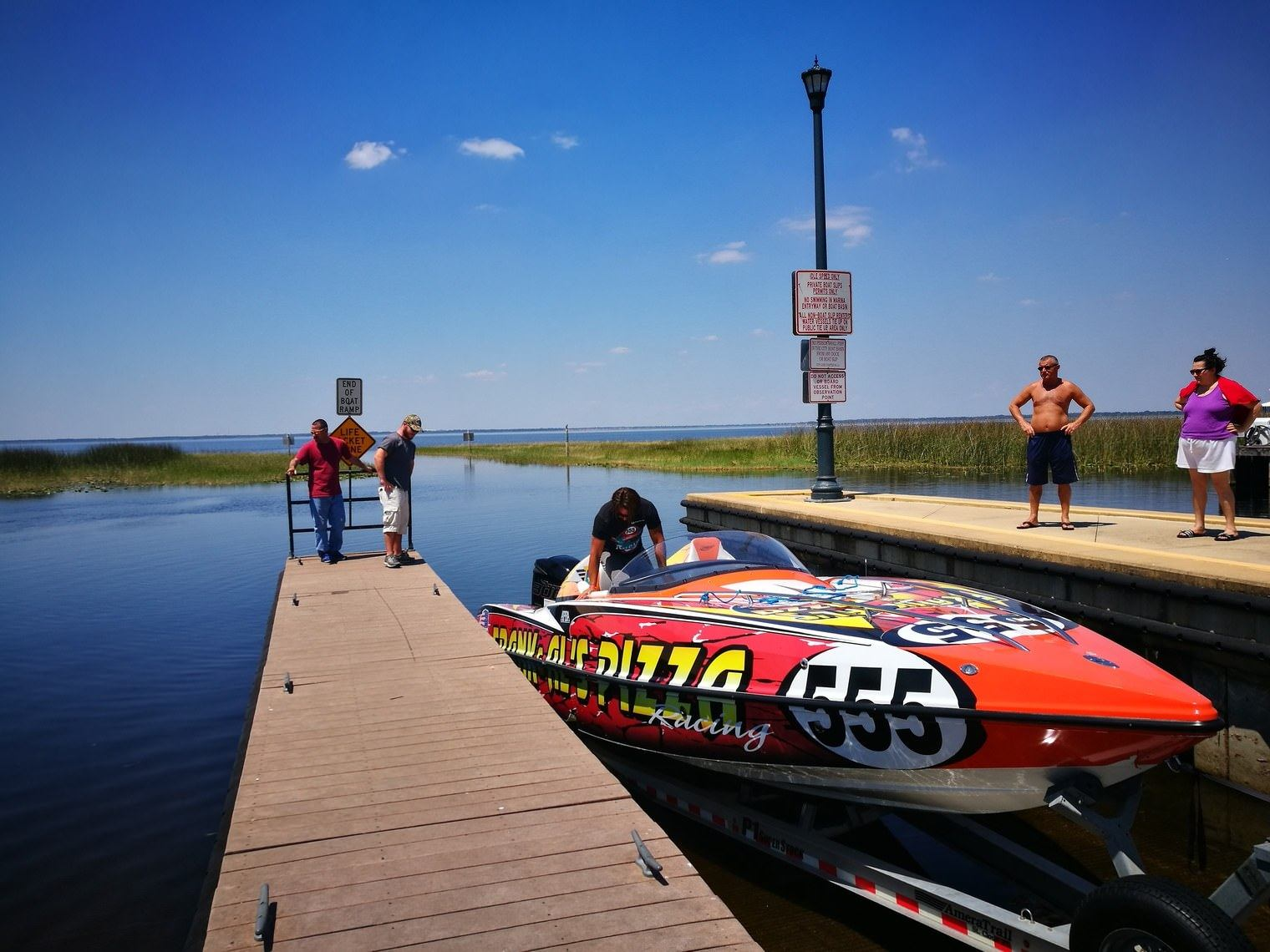kissimmee_powerboat_racing_boat_upclose