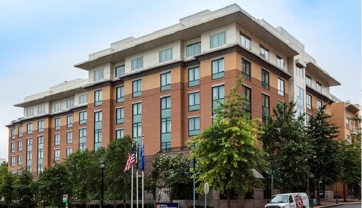 Ultimate List of Best Cheap Hostels for Backpackers in Arlington, Virginia, Hilton Garden Inn Arlington Shirlington