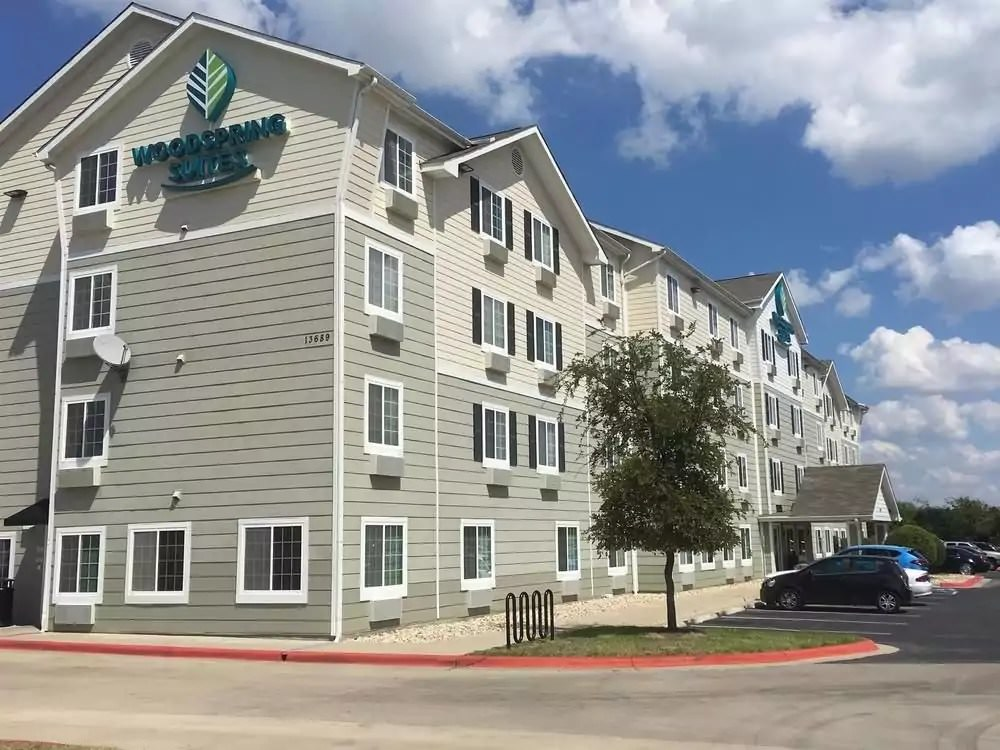 Ultimate List of Best Cheap Hostels for Backpackers in Austin, Texas, WoodSpring Suites Austin Aquarium