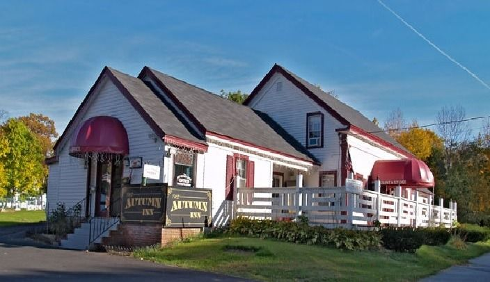 Ultimate List of Best Cheap Hostels for Backpackers in Bennington, Vermont, The Autumn Inn