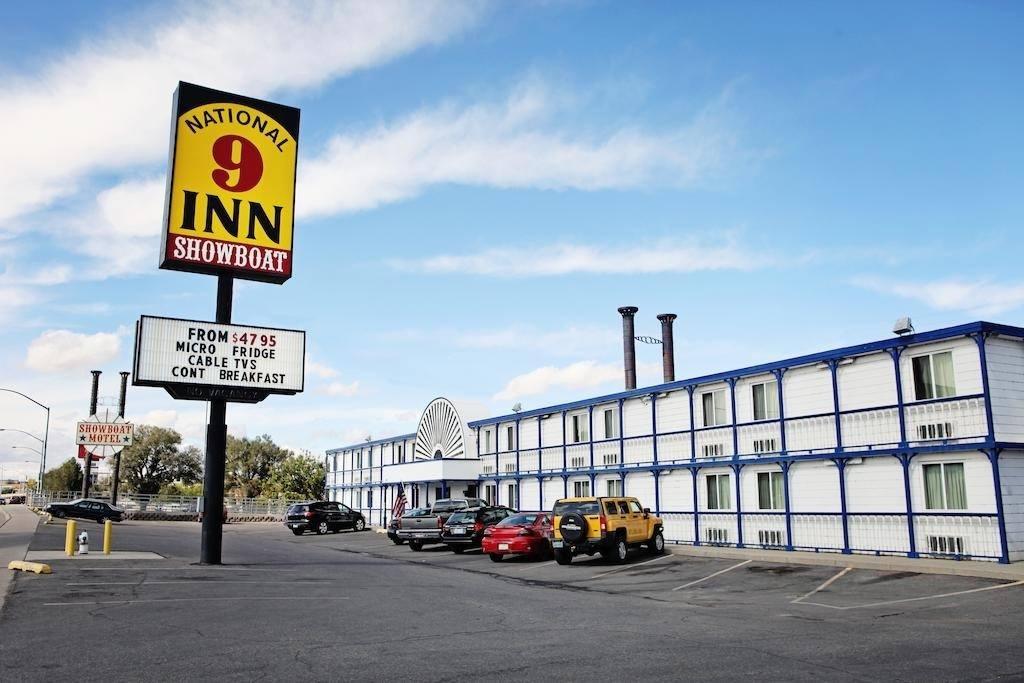 Ultimate List of Best Cheap Hostels for Backpackers in Casper, Wyoming, National 9 Inn Showboat