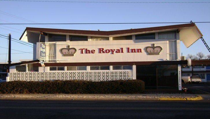 Ultimate List of Best Cheap Hostels for Backpackers in Casper, Wyoming, Royal Inn Casper