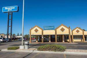 Ultimate List of Best Cheap Hostels for Backpackers in Cheyenne, Wyoming, Rodeway Inn Cheyenne