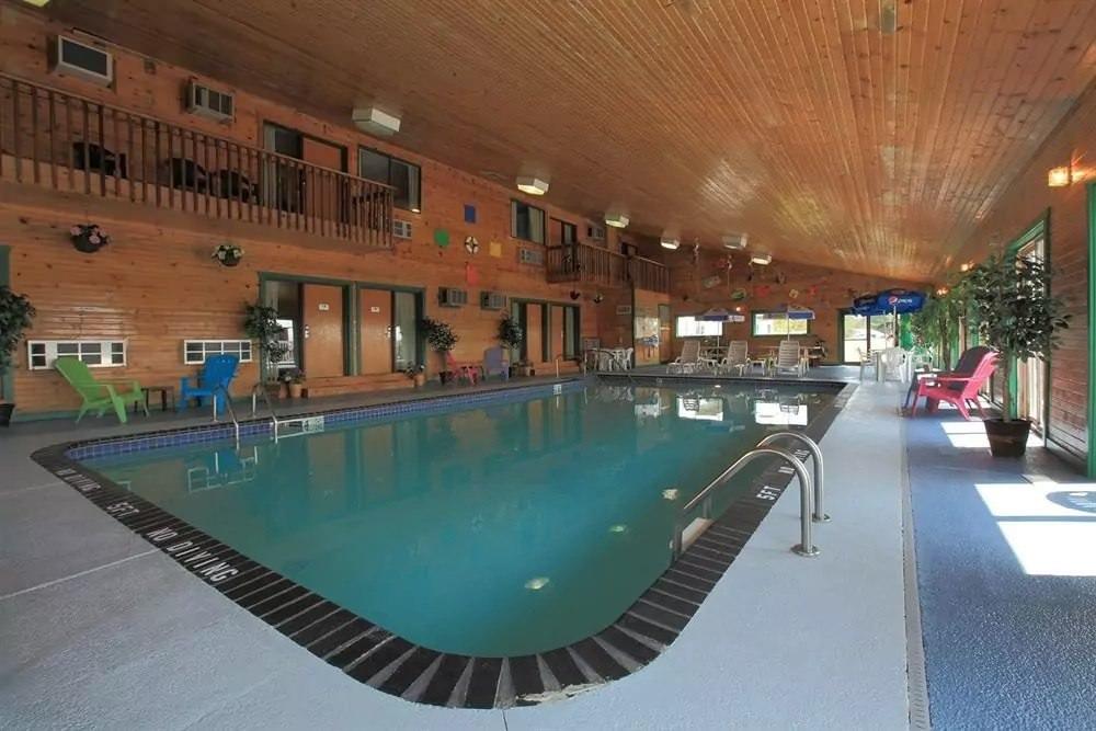 Ultimate List of Best Cheap Hostels for Backpackers in Duluth, Minnesota, Americas Best Value Inn Duluth Spirit Mountain Inn