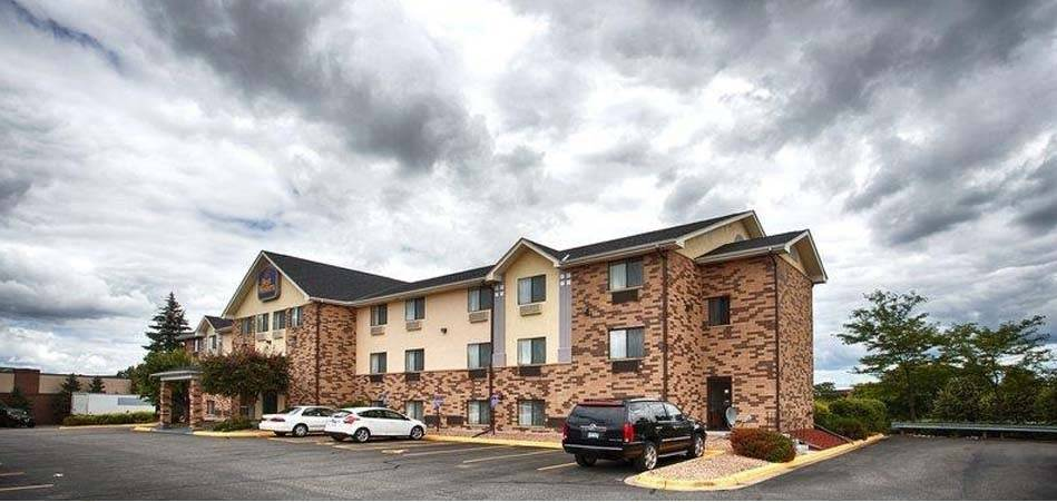 Ultimate List of Best Cheap Hostels for Backpackers in Eden Prairie, Minnesota, Best Western Eden Prairie Inn