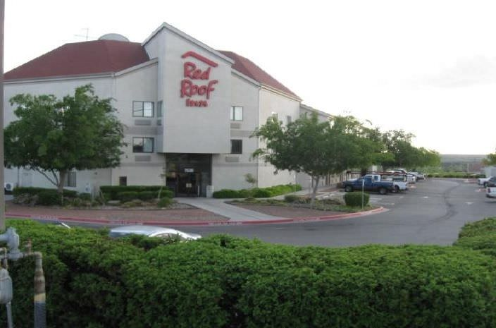 Ultimate List of Best Cheap Hostels for Backpackers in El Paso, Texas, Red Roof Inn El Paso West