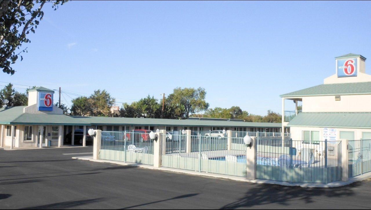 Ultimate List of Best Cheap Hostels for Backpackers in Fallon, Nevada, Motel 6 Fallon