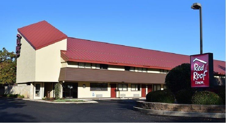 Ultimate List of Best Cheap Hostels for Backpackers in Harrisburg, Pennsylvania, Red Roof Inn Harrisburg North