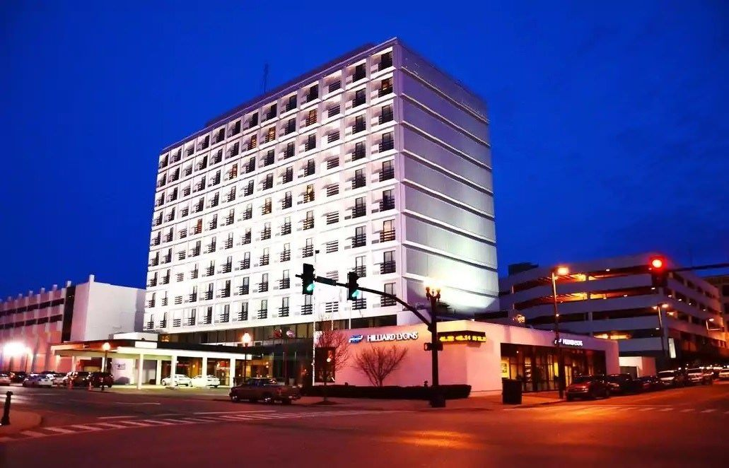 Ultimate List of Best Cheap Hostels for Backpackers in Huntington, West Virginia, Pullman Plaza Hotel