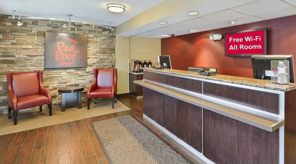 Ultimate List of Best Cheap Hostels for Backpackers in Huntington, West Virginia, Red Roof Inn Huntington