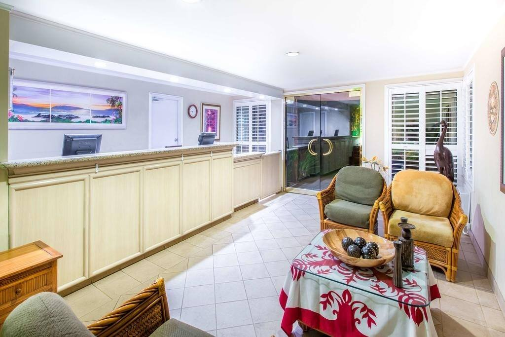 Ultimate List of Best Cheap Hostels for Backpackers in Kihei, Hawaii, Maui Oceanfront Days Inn