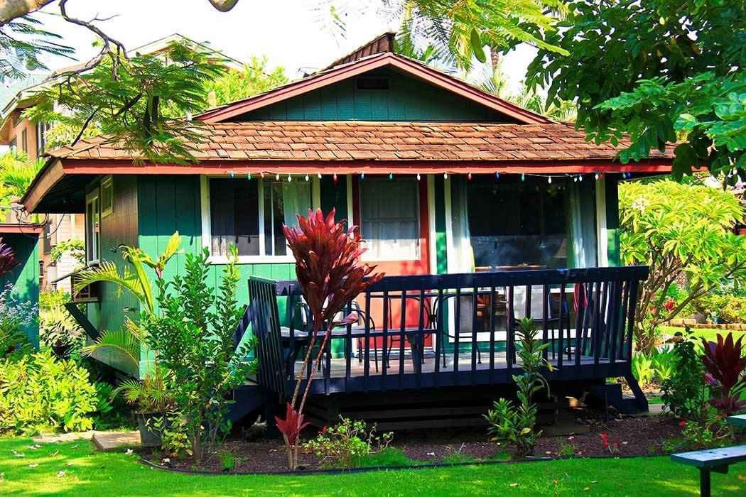 Ultimate List of Best Cheap Hostels for Backpackers in Kihei, Hawaii, Nona Lani Cottages