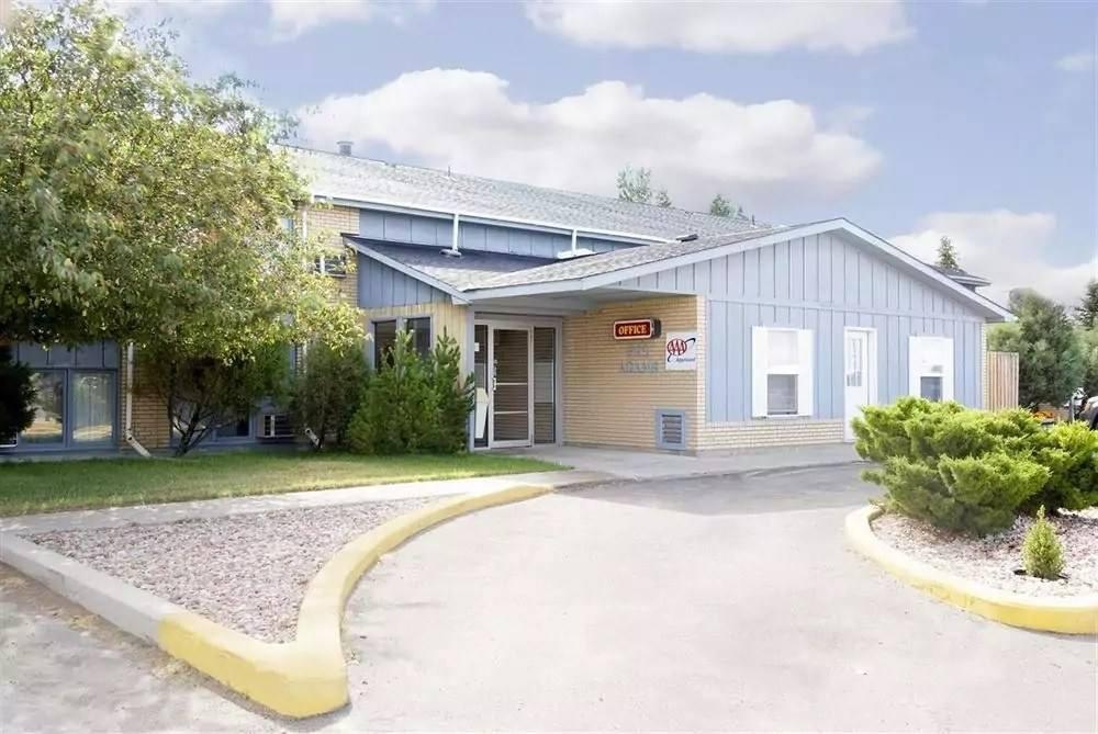 Ultimate List of Best Cheap Hostels for Backpackers in Laramie, Wyoming, Americas Best Value Inn-Laramie