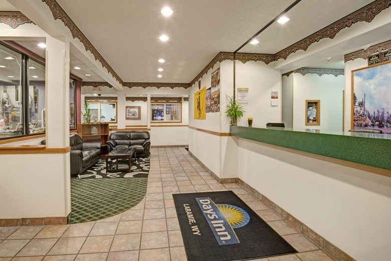 Ultimate List of Best Cheap Hostels for Backpackers in Laramie, Wyoming, Days Inn Laramie