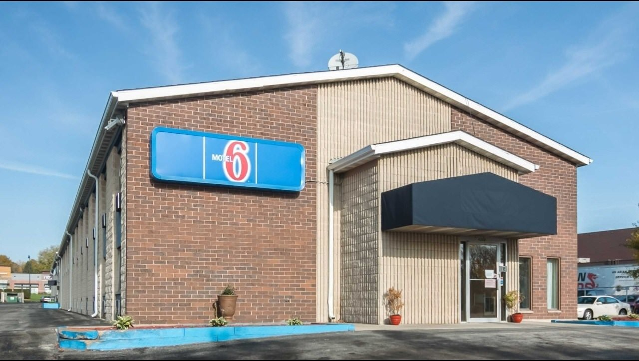 Ultimate List of Best Cheap Hostels for Backpackers in Madison, Wisconsin, Motel 6 Madison East