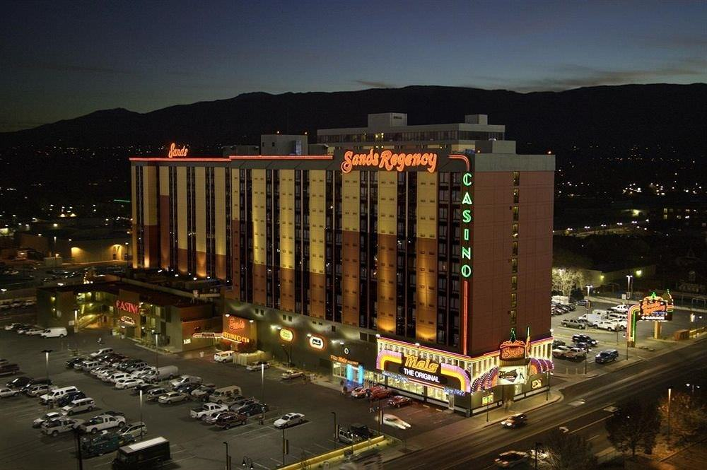 Ultimate List of Best Cheap Hostels for Backpackers in Reno, Nevada, Sands Regency Casino Hotel Reno