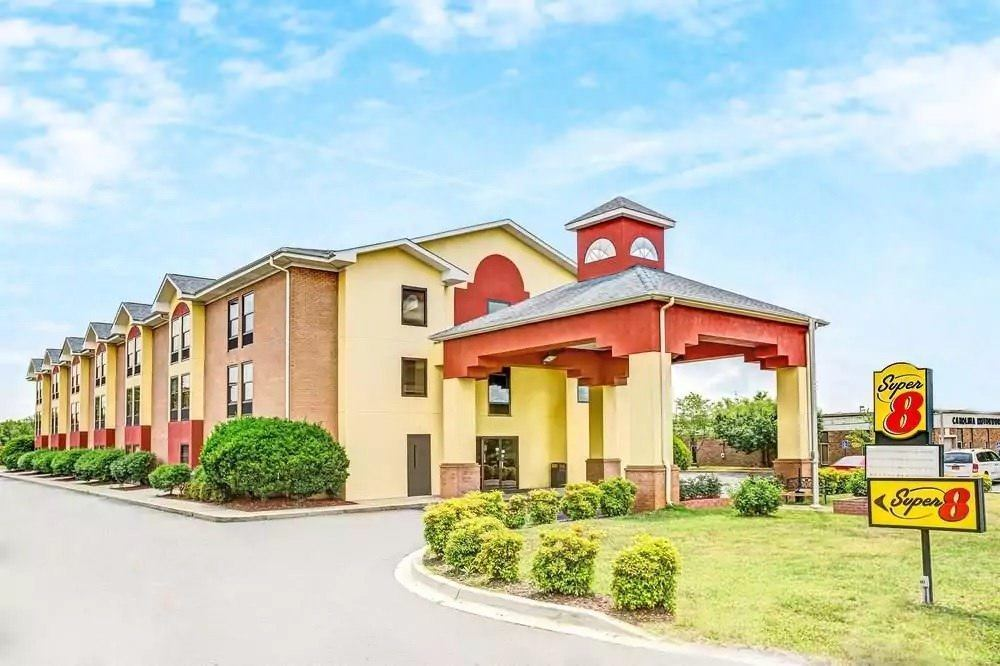 Ultimate List of Best Cheap Hostels for Backpackers in Rock Hill, South Carolina, Super 8 Rock Hill