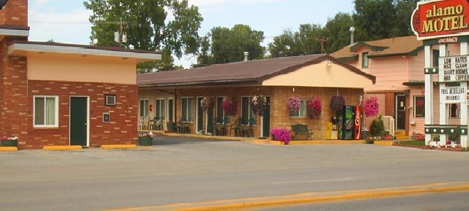 Ultimate List of Best Cheap Hostels for Backpackers in Sheridan, Wyoming, Alamo Motel