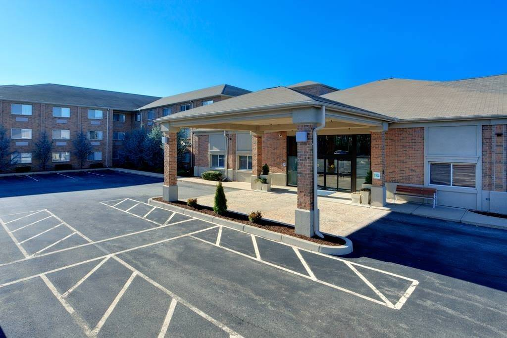 Ultimate List of Best Cheap Hostels for Backpackers in Smithfield, Rhode Island, Holiday Inn Express & Suites Smithfield