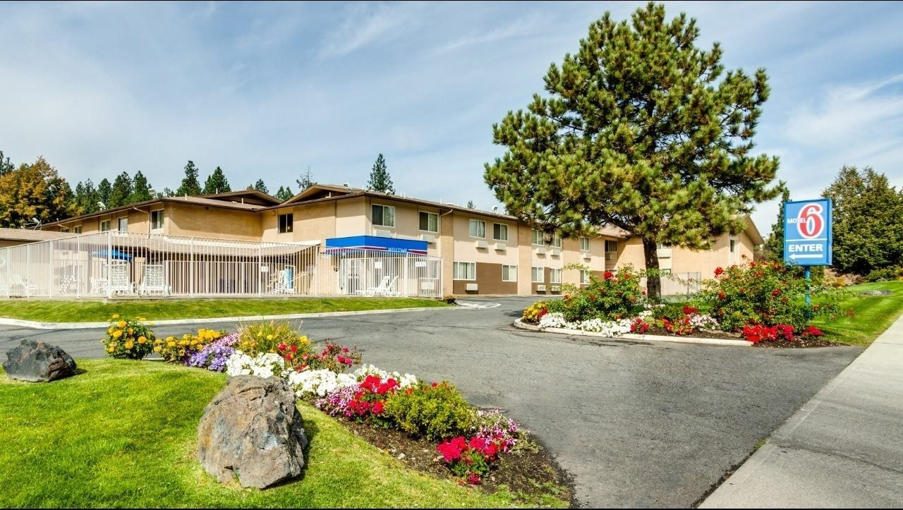 Ultimate List of Best Cheap Hostels for Backpackers in Spokane, Washington, Motel 6 Spokane West-Downtown