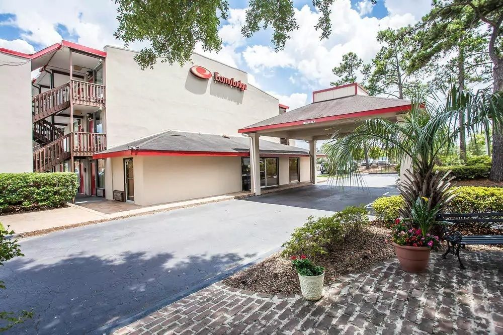 Ultimate List of Best Cheap Hostels for Backpackers in Summerville town, South Carolina, Econo Lodge Summerville
