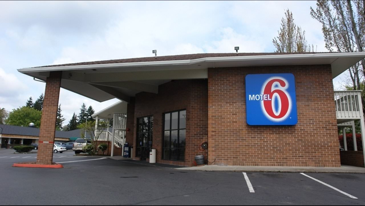 Ultimate List of Best Cheap Hostels for Backpackers in Vancouver, Washington, Motel 6 Vancouver