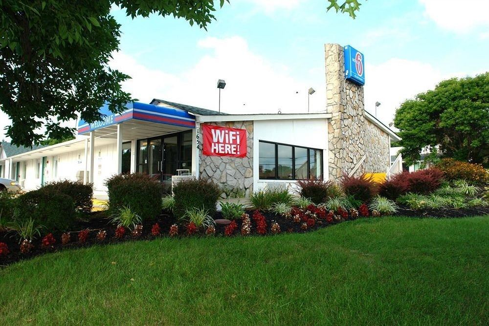 Ultimate List of Best Cheap Hostels in Baltimore, Maryland, Motel 6 Baltimore West
