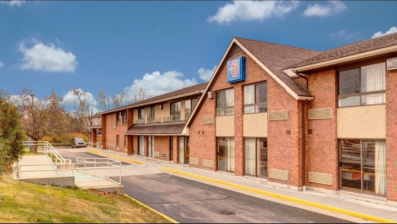 Ultimate List of Best Cheap Hostels in Lewiston, Maine, Motel 6 Lewiston