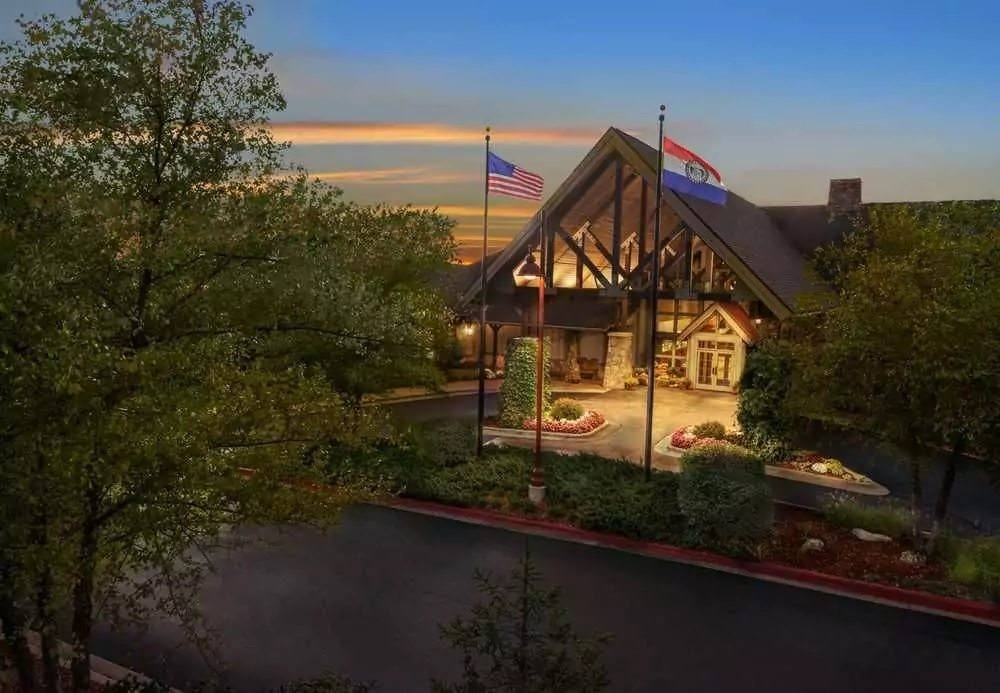 Ultimate List of Best Luxury Hotels in Branson, Missouri, Marriott's Willow Ridge Lodge