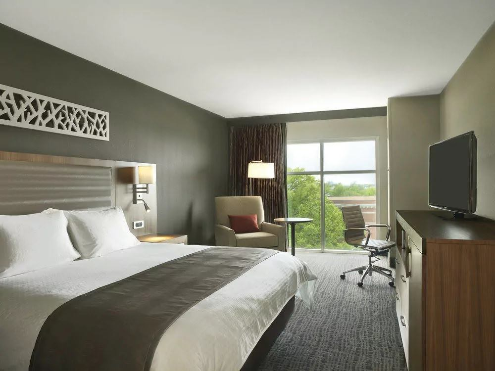 Ultimate List of Best Luxury Hotels in Columbia, Missouri, The Broadway Columbia - a DoubleTree by Hilton Hotel