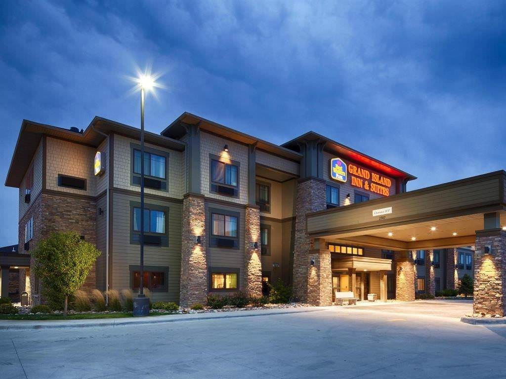 Ultimate List of Best Luxury Hotels in Grand Island, Nebraska, Best Western PLUS Grand Island Inn & Suites