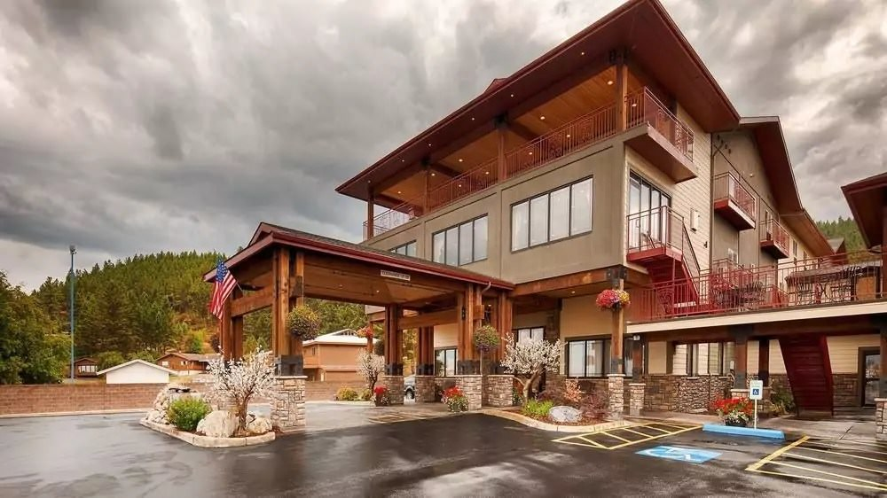 Ultimate List of Best Luxury Hotels in Kalispell, Montana, Best Western PLUS Flathead Lake Inn and Suites