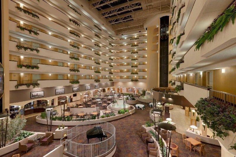 Hilton Kansas City Airport - Guest Reservations