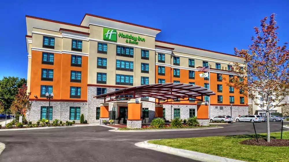 Ultimate List of Best Luxury Hotels in Tupelo, Mississippi, Holiday Inn & Suites Tupelo North