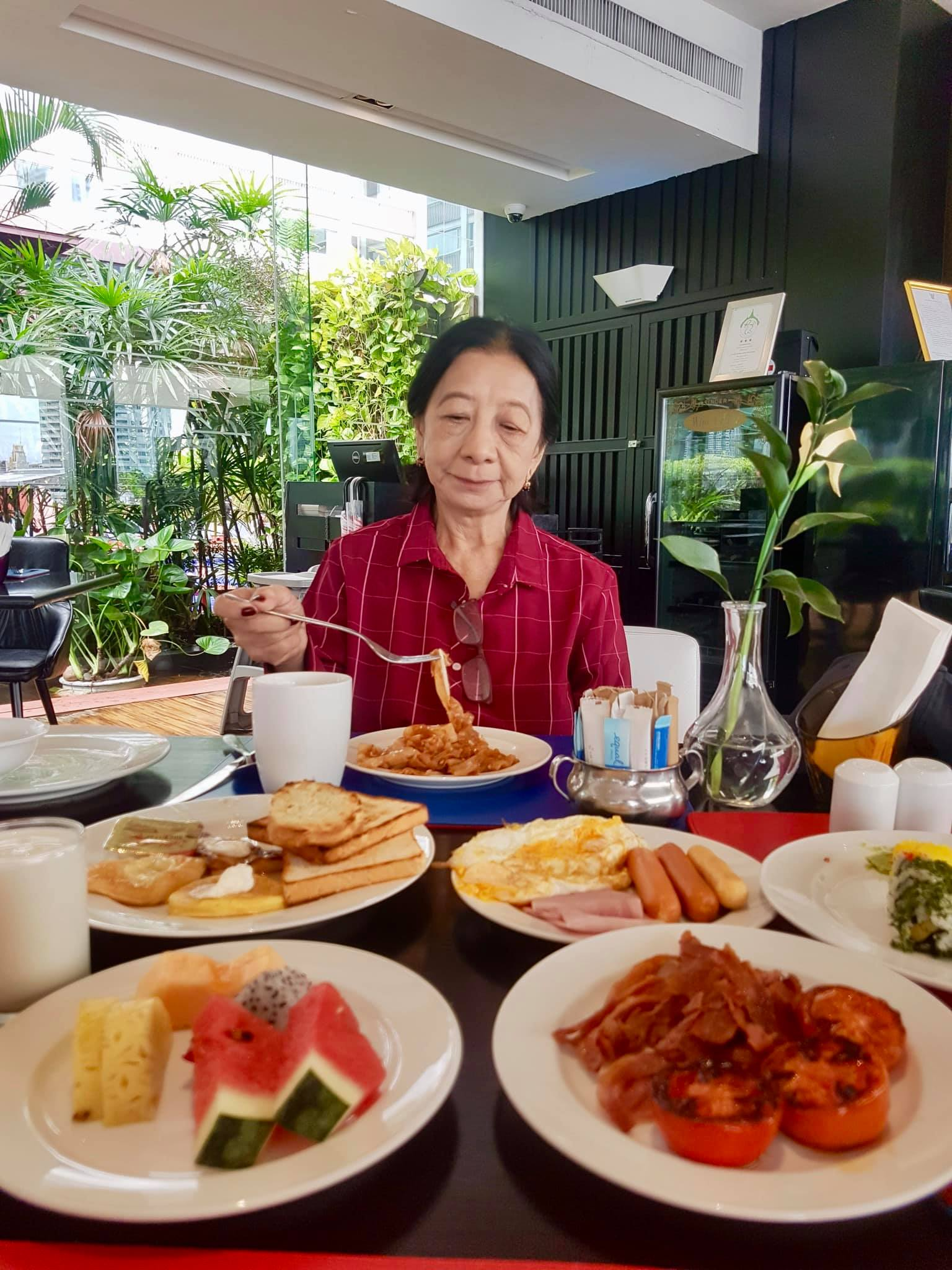 Our Luxurious Staycation At Ramada Plaza In Bangkok And Our Tour With Tinggly Experiences8