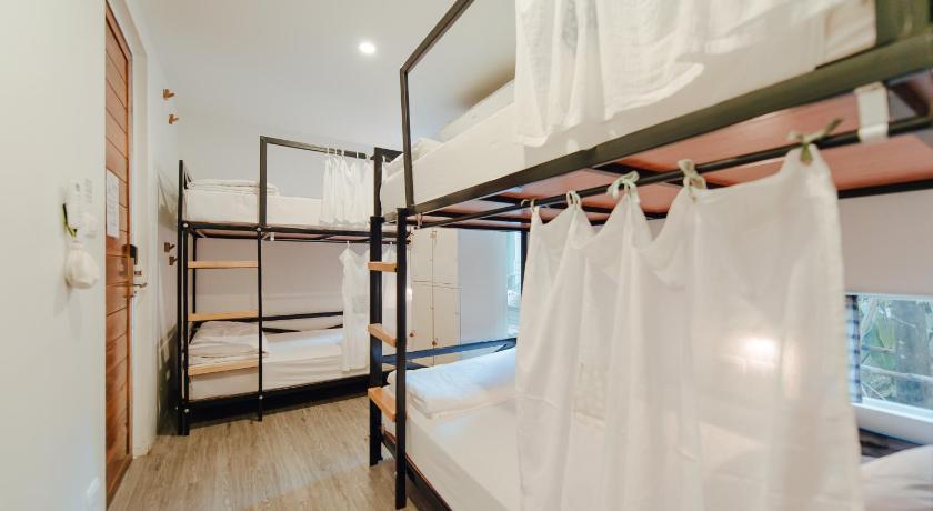 Best Backpacker Hostels in Bangkok, Thailand7