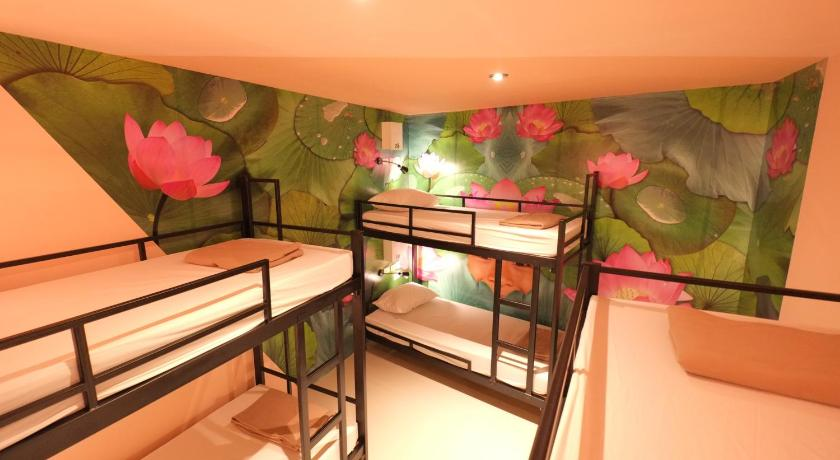 Best Backpacker Hostels in Bangkok, Thailand9