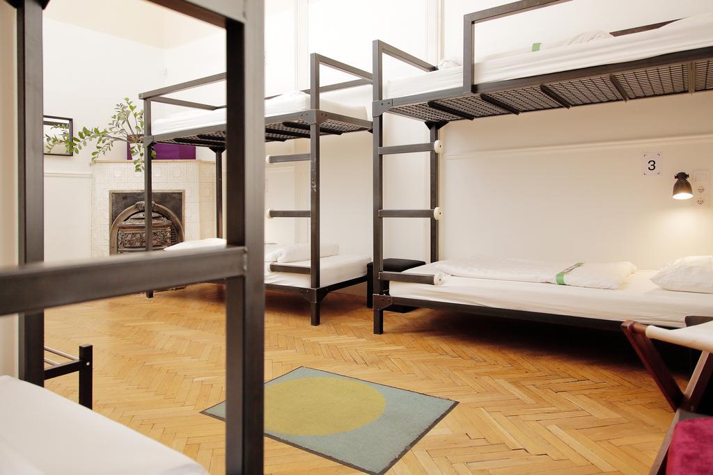 Best Backpacker Hostels in Budapest, Hungary7
