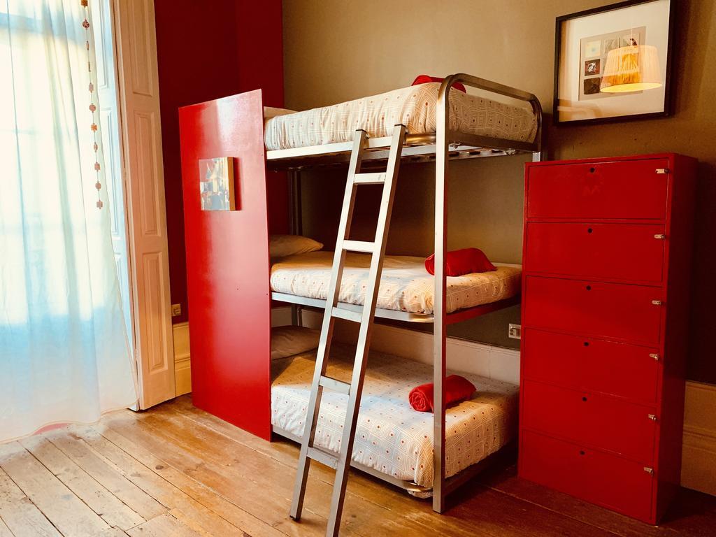 Best Backpacker Hostels in Porto, Portugal2