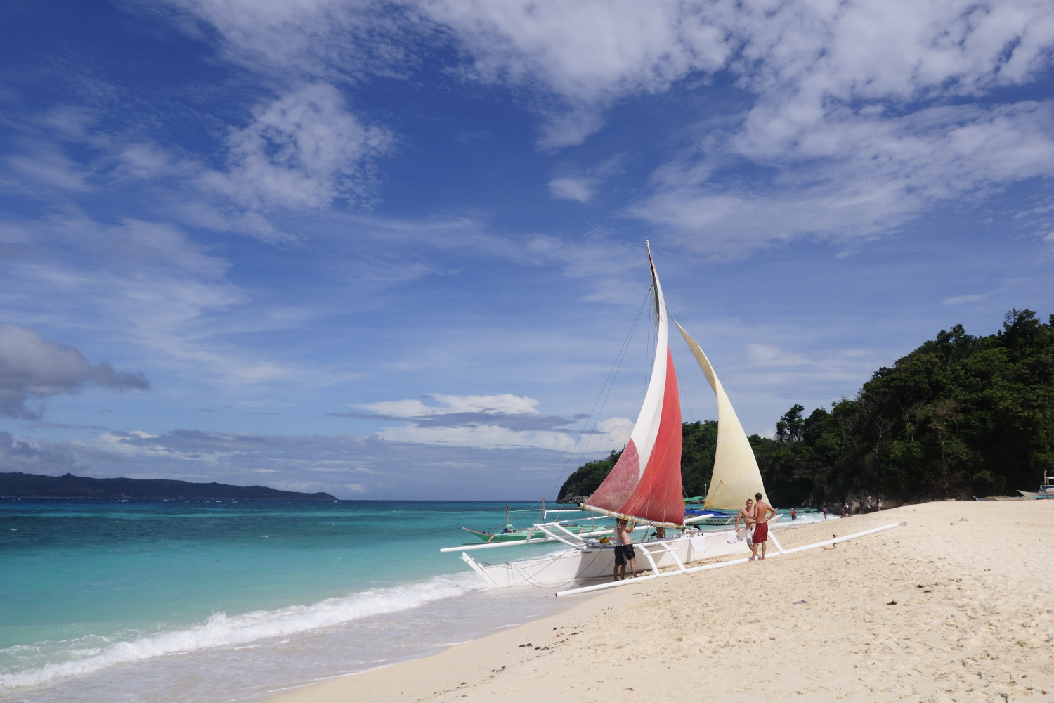 Best Beaches and Beach Resorts in Boracay, Philippines11