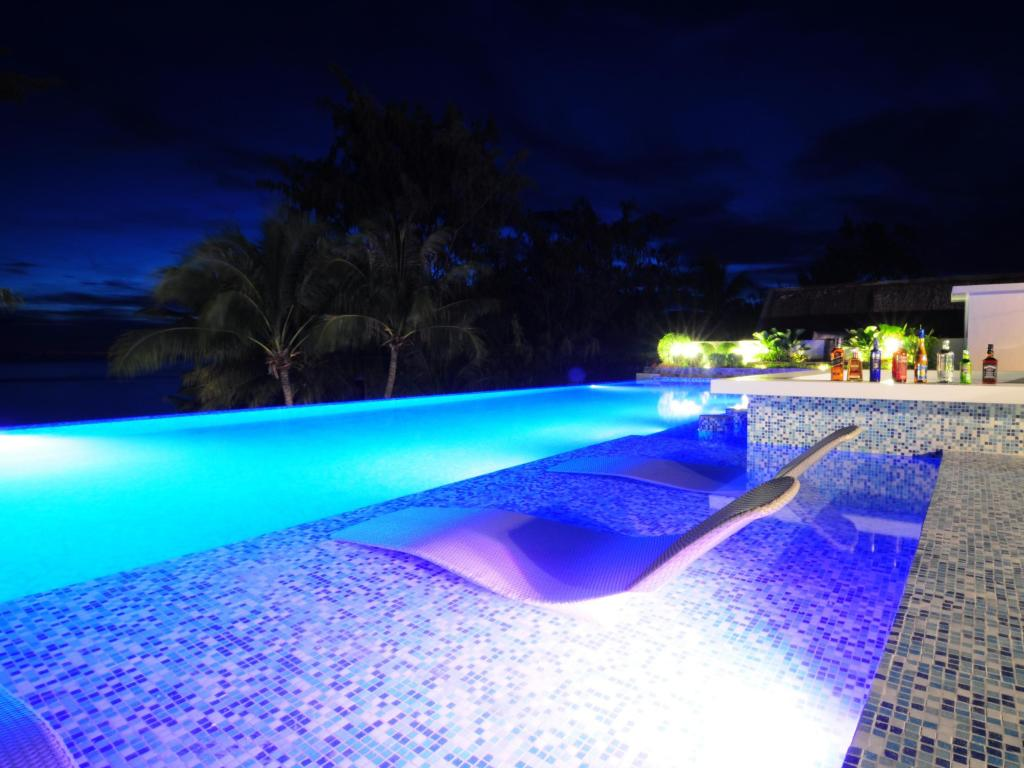 Best Beaches and Beach Resorts in Boracay, Philippines7