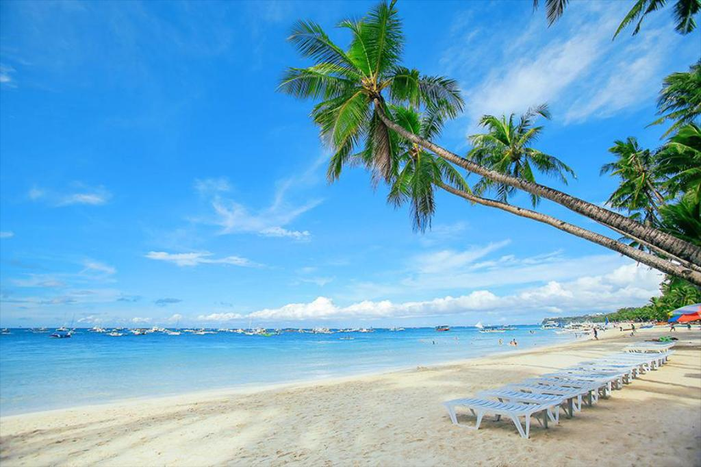 Best Beaches and Beach Resorts in Boracay, Philippines9